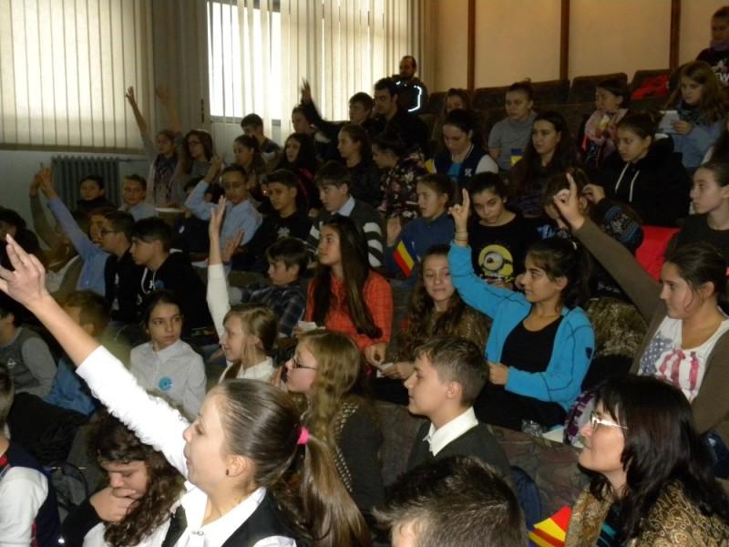 manifestare Ziua Nationala Biblioteca Judeteana (18)