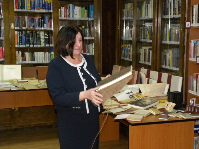biblioteca eminescu expozitie (50)
