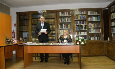 Biblioteca Emia