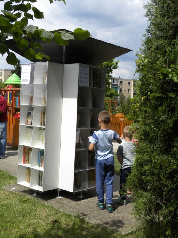 biblioteci afara (3)