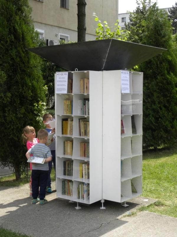 biblioteci afara (4)
