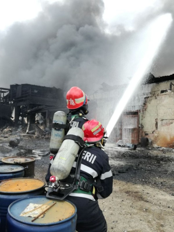 incendiu fabrica orastie (8)